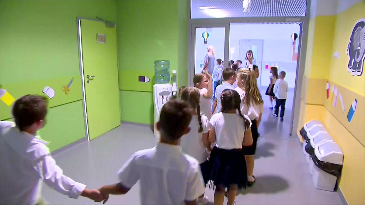 """Sześciolatki nie będą musiały iść we wrześniu do szkoły? """"To prawie pewne"""", TVN24"""