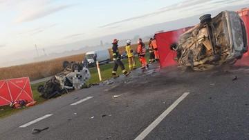 Trzy ofiary wypadku pod Grójcem. Paliły się dwa auta osobowe