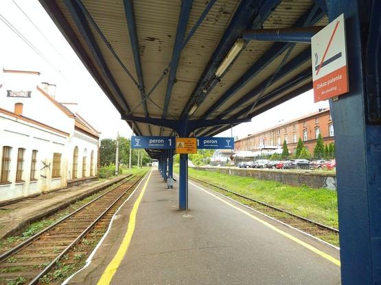 Peron 1 na stacji Toruń Miasto