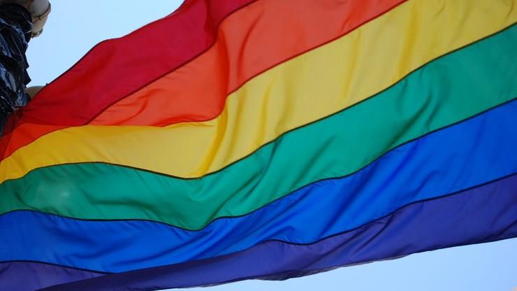Europosłowie PiS nie poparli rezolucji ws. kar za homoseksualizm w Ugandzie. Mazurek wyjaśnia