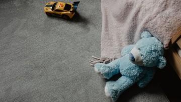 """""""Przez 30 lat oddawali bezdomne dzieci pedofilom"""". Szokujące wyniki raportu"""