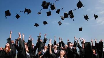 Zastanawiasz się jakie studia wybrać? Tutaj prześledzisz losy absolwentów