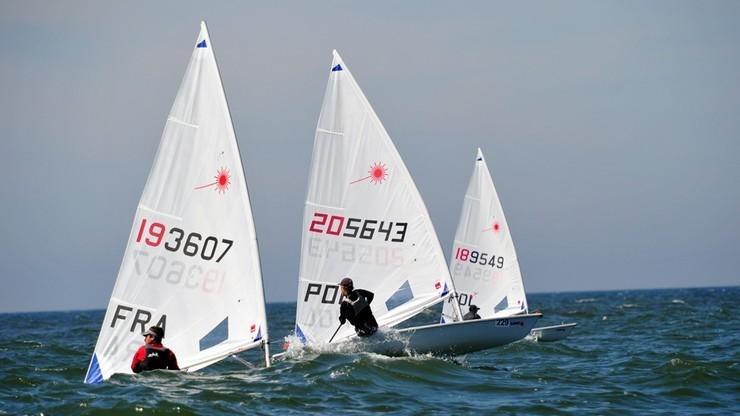MŚ w klasie Laser Standard: Kubiak w grupie żeglarzy walczących o medale