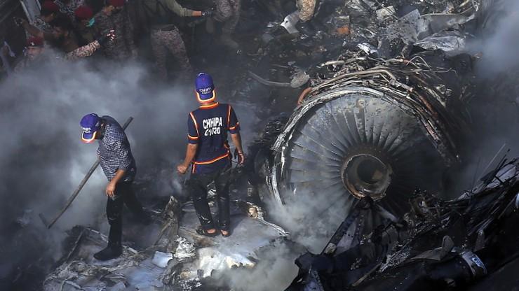 Katastrofa samolotu pasażerskiego w Pakistanie. Spadł na dzielnicę mieszkalną [WIDEO]