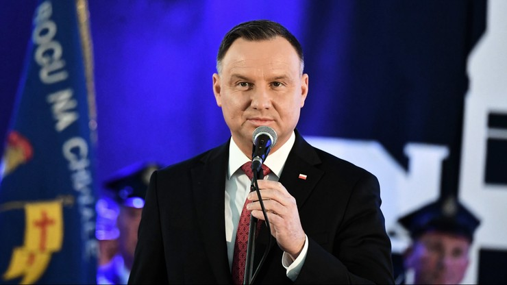 Andrzej Duda zdecydowanym liderem w wyborach prezydenckich. Sondaż
