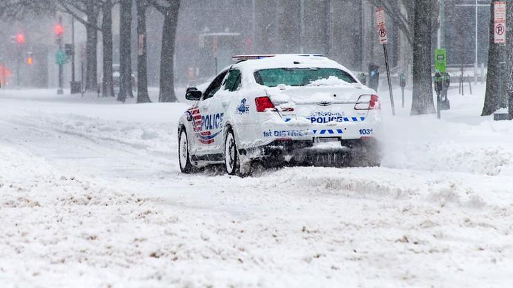 """Dzieci rzucały śnieżkami, trafiły w auto. Kierowca postrzelił je z pistoletu.  """"Wszędzie była krew"""""""