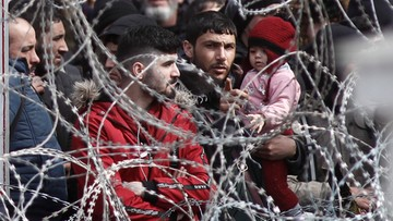 Dziecko utonęło, mężczyzna zmarł po interwencji straży. Uchodźcy próbują dostać się do Grecji
