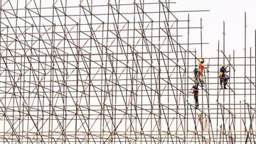 Budownictwo przegrywa z kryzysem. Szósty miesiąc z rzędu