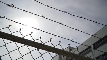 Strażnik miał namawiać do zabójstwa więźnia. Usłyszał wyrok