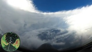 26-10-2020 07:00 Wlecieli w samo oko tropikalnego huraganu Epsilon. To co zobaczyli, zaparło im dech [FILM]