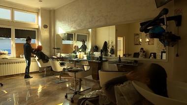 Zakład fryzjerski kontra galeria handlowa