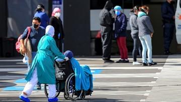 W Nowym Jorku przybywa młodych ludzi zakażonych koronawirusem