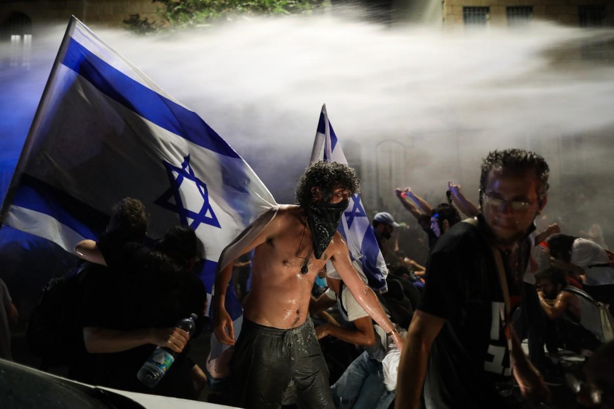 Izrael pogrążony w chaosie