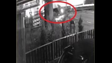 W kierowcę skutera uderzył pociąg. Mężczyzna wstał i chciał jechać dalej