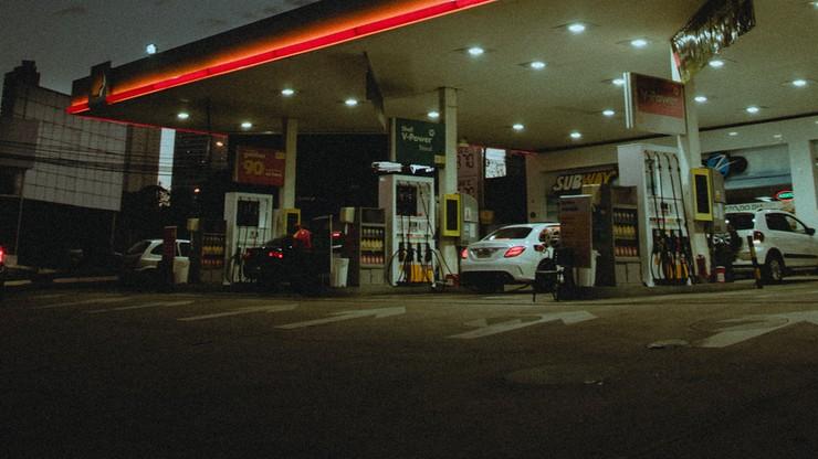 Zakaz handlu w niedziele może objąć stacje benzynowe. Chciałaby tego Państwowa Inspekcja Pracy