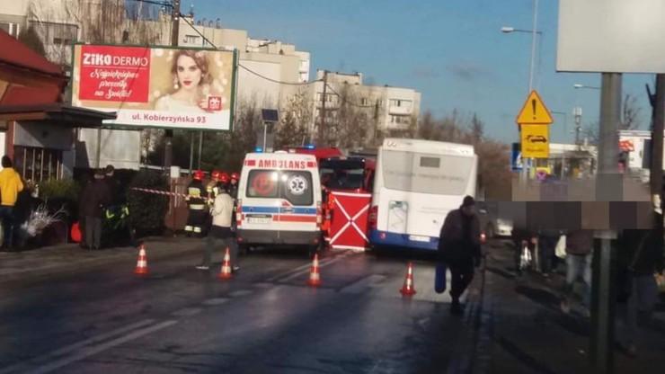 Śmiertelne potrącenie kobiety w Krakowie. Zmarła mimo reanimacji