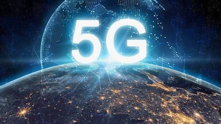 Już w poniedziałek Plus uruchamia w Polsce pierwszą i prawdziwą sieć 5G