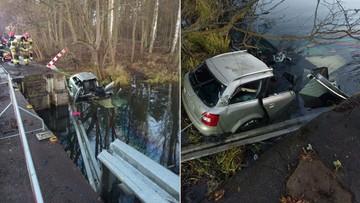 Samochód wpadł do przydrożnego zbiornika. Nie żyje pięć osób