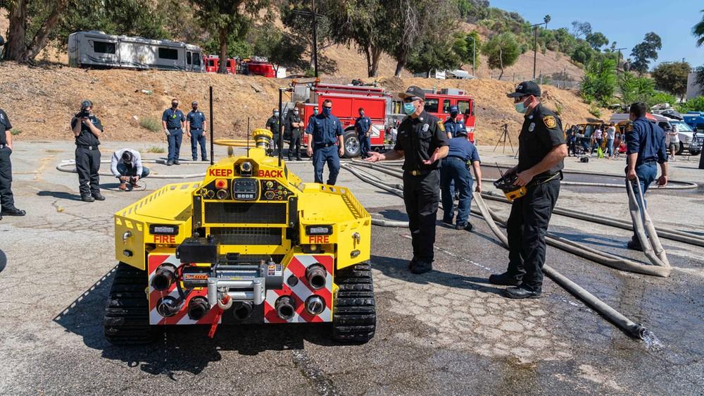 Straż pożarna z Los Angeles zatrudniła właśnie pierwszego robota-strażaka
