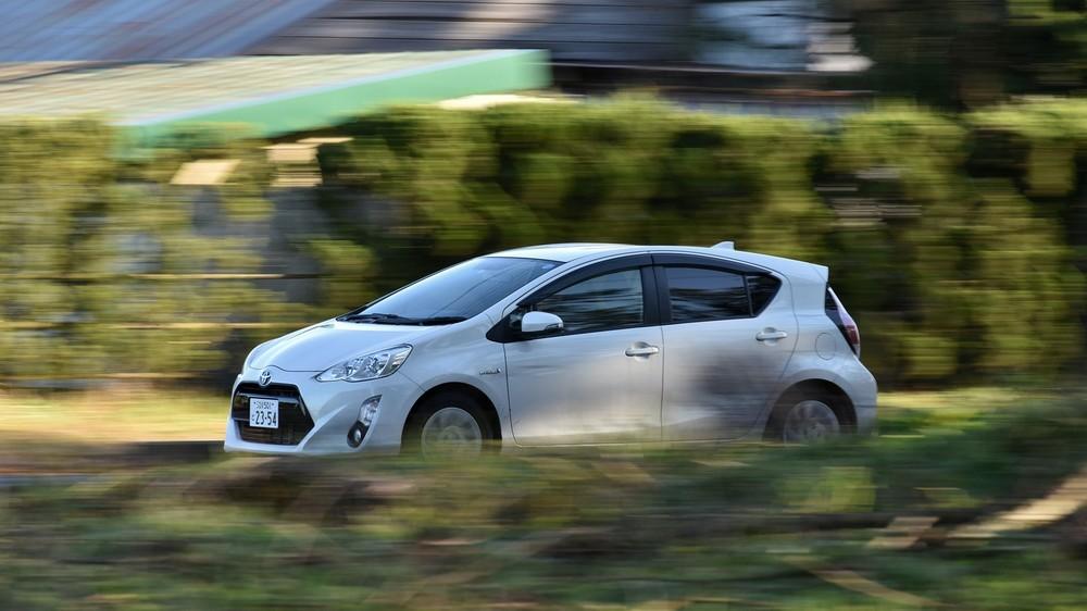 Toyota patentuje autonomiczne pojazdy tankująco-ładujące dla samochodów