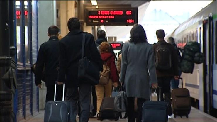 Opóźnienia pociągów w Krakowie. Dworzec bez zasilania