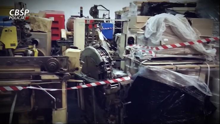 Nielegalna fabryka papierosów jak obóz pracy. Pracownicy z niej nie wychodzili