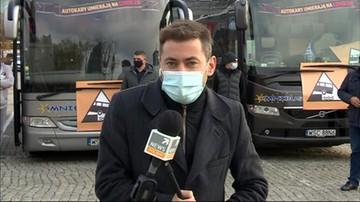"""""""250 autokarów zjeżdża do Warszawy"""". Protest przewoźników"""