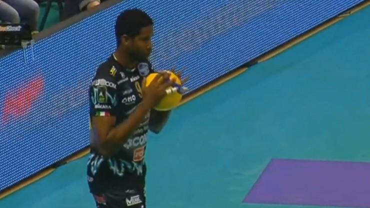 Leon znów punktuje! Kapitalne wejście w starciu z Top Volley Latina (WIDEO)