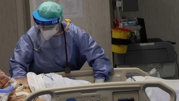 Koronawirus w Polsce. Wzrost zakażeń, blisko 600 ofiar
