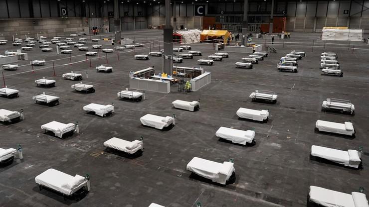 Ponad 5000 łóżek w centrum wystawienniczym w Madrycie. Dramatyczny brak miejsc w szpitalach