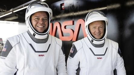 Historyczny lot astronautów został przełożony z powodu pogody. Kiedy kolejne okienko startowe?