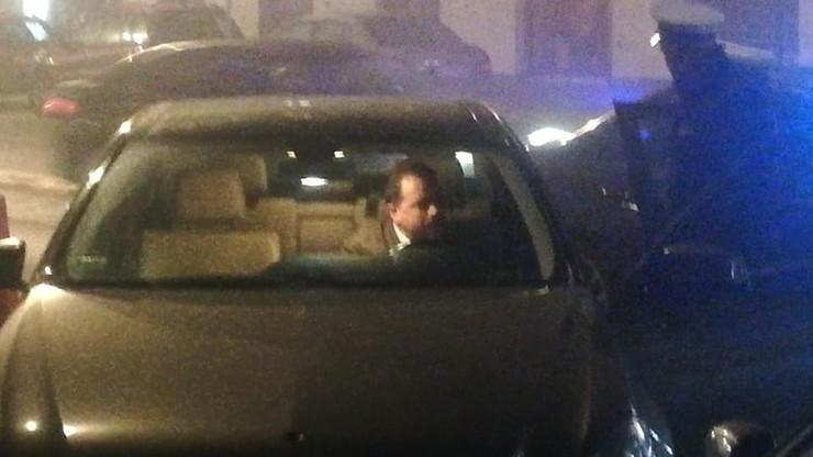 Artur Zawisza przyłapany za kierownicą bez prawa jazdy. Policja odholowała jego mercedesa
