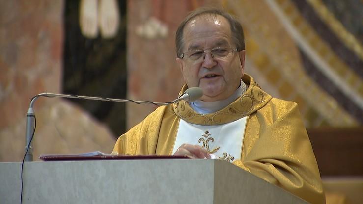 """""""Trzeba wracać do kościoła"""". O. Rydzyk twierdzi, że obostrzenia to """"wyziębianie religijności"""""""