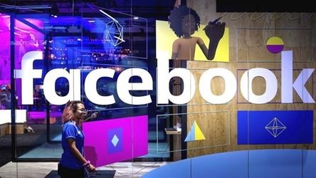 Pracownicy Facebooka wirtualnie wychodzą na ulicę w proteście wobec swojego szefa
