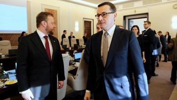 """""""Władze rozpoczęły rok od spadków"""". Polacy ocenili w sondażu pracę prezydenta i premiera"""