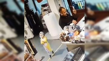 Policja szuka Pikachu. Zabrał ukulele i nie zapłacił