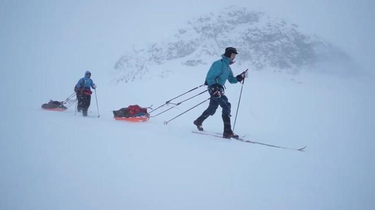 Ekstremalny bieg przez śnieg. Ukończył go Łodzianin