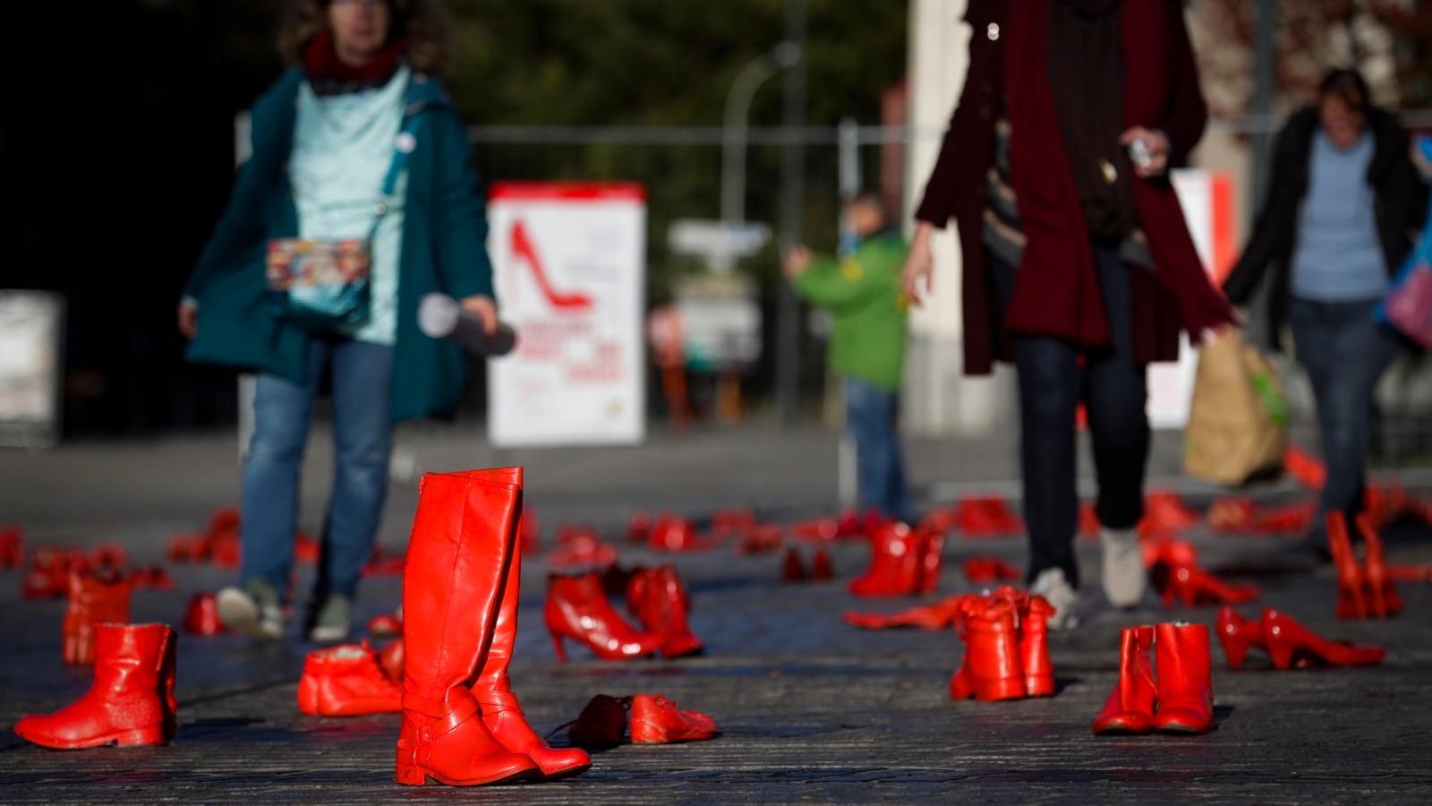 25.11.2019 | W Europie marsze, w Polsce apele o finansowanie. Jak walczyć z przemocą wobec kobiet?