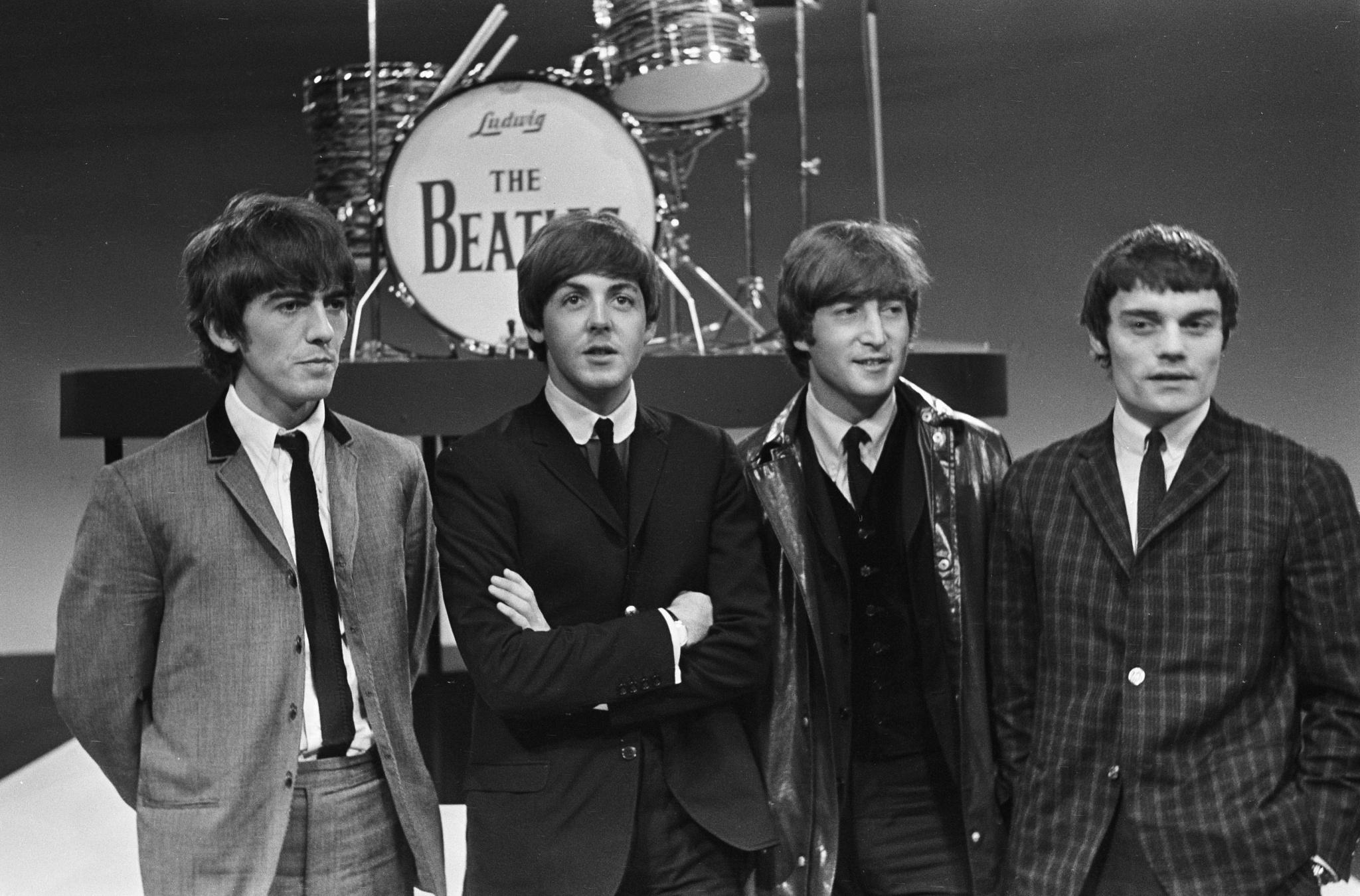 The Beatles i Jimmie Nicol, 1964 (na dwa lata przed rzekomą śmiercią Paula)