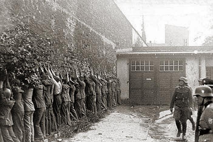 Polscy pocztowcy po kapitulacji