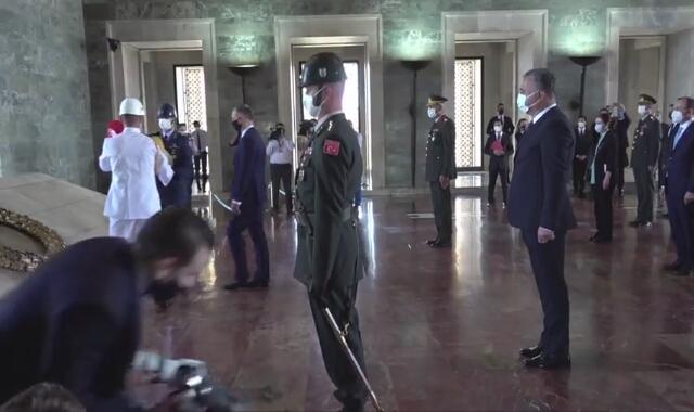 Andrzej Duda złożył wieniec w Mauzoleum Ataturka w Ankarze