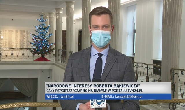 Polityczne komentarze w sprawie finansów  Stowarzyszenia Marsz Niepodległości, którego szefem jest Robert Bąkiewicz